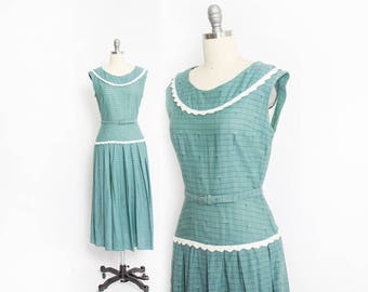 Vintage 1950s Dress - Sage Geen Cotton sleeveless Full Skirt Day Dress 50s - Small