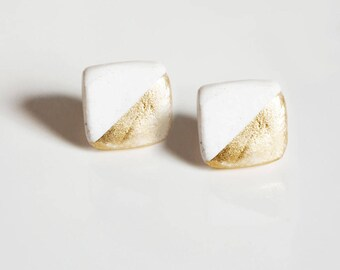 Earrings square white and gold.
