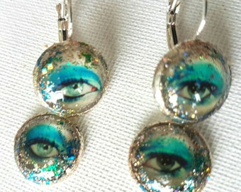 David Bowie Stardust Silvertone Cabochon Life on Mars eye Pop Art charm earrings. 14mm cabs