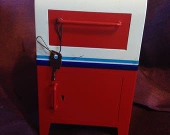 Vintage Canada Post mailbox bank piggy bank with key - At Everything Vintage Shipping Is on Us!