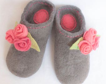 Summer outdoor Woolen shoes, Felted  slippers, felt slippers, wool slippers, Roses