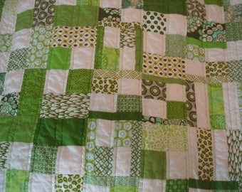 "Mod Quilt---Green Quilt---31.5"" by 27.5"" Quilt---FREE Shipping---Ready to Ship---OOAK Quilt"