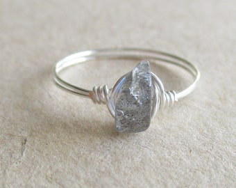 Labradorite gemstone chip bead wire wrapped ring - size 7 1/4