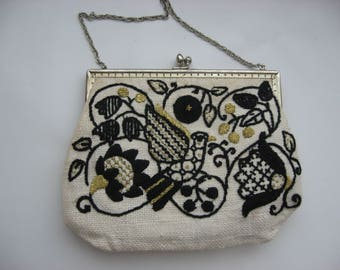Vintage Hand Embroidered Crewel Work Evening Bag//Black/ Metallic Gold Purse//Hand Made//Collectible Vintage Purse