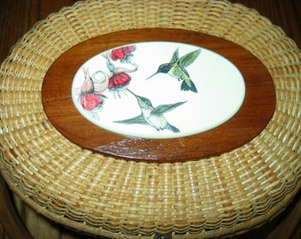 Barlow NANTUCKET LIGHTSHIP BASKET with Gorgeous Hummingbirds. Never used.  Full size! Vintage heirloom.