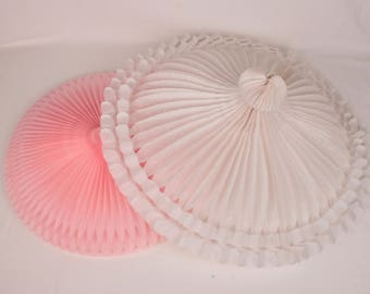 lot of 2 honeycomb parasols // pink and white