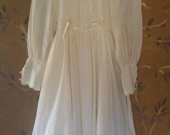 70s cream Gunne Sax Victorian style crochet lace high collar and ribbon trim dress