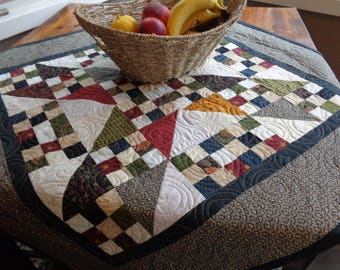 Country Quilt, Scrappy Table Topper 0805-03