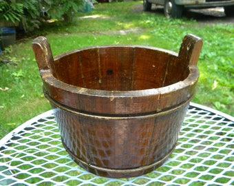 good shape vintage mini miniature SALESMAN SAMPLE wooden WASH tub