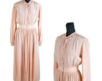 1940s Dressing Gown // Peachy Dusty Rose Embroidered Dressing Gown or Robe Lingerie