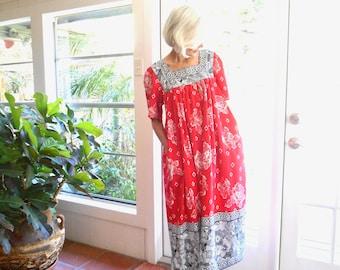 Vintage Hawaiian muumuu red, black, white tiki print batik: medium, large