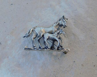 Vintage Sterling Silver Mare & Foal Brooch/Pendant