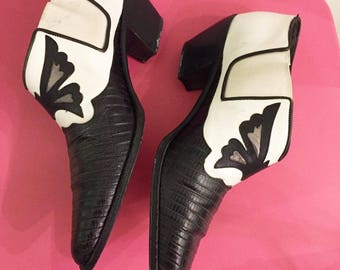 Vintage 80s ankle booties by Via Spiga with snake skin & butterfly details US Size 6  Made in Italy