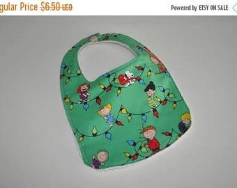 ON SALE Charlie Brown Christmas baby bib, Snoopy Baby bib, Snoopy Bib, Peanuts baby bib, Charlie Brown baby bib, Peanuts bib, Charlie Brown