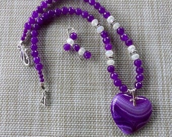 20 Inch Pink- Purple Striped Agate Heart Necklace with Earrings
