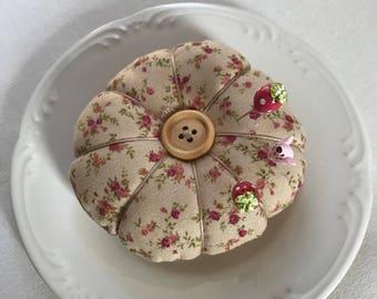 Tomato pin cushion, pin cushion, collectable pin cushion, handmade pins, handmade pin cushion