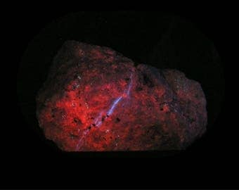 Humite Calcite Hydrozincite 3 color Fluorescent Glow Stone Rock Specimen Fluorescence for your rock and mineral collection