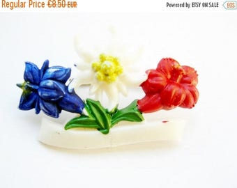 SUMMER SALE- German Vintage Bavarian Edelweiss and Enzian Flower Hat pin or Brooch; Alpenstyle Kitsch for Oktoberfest made from Celluloid