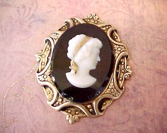 Very Pretty and Unusual Vintage Cameo Jewelry Finding