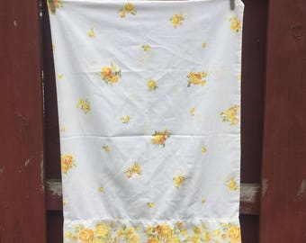 Yellow Roses Pillow Cover / Vintage Decorative Pillow Case / Pillowcase for Bedroom