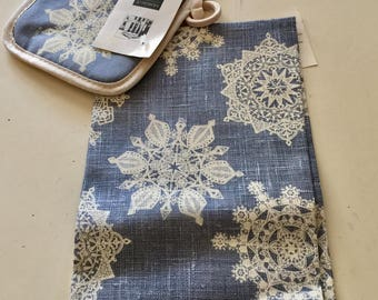 Mint Boston Museum of Fine Arts Tea Blue White Snowflake Towel and Hotpad Set