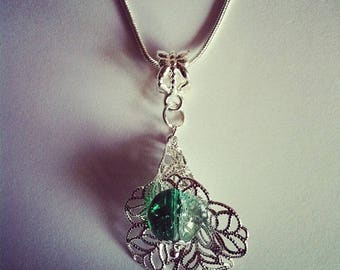 Pearl flower pendant chain green and clear Crackle Glass