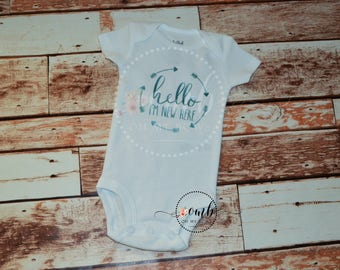 New Here Onesie / Bodysuit / Girl Onesies / Boy Onesies / Baby / Take Home Outfit / Personalized Onesie / Hi I'm New Here / Baby Shower Gift