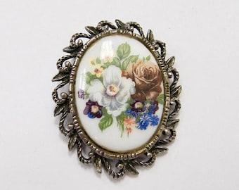 ON SALE Vintage Ornate Floral Pin Item K # 2351