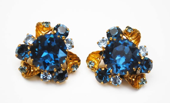 Blue Rhinestone  Earrings - Clip on earrings - Mid Century - blue Crystal Gold plated - Floral flower earring