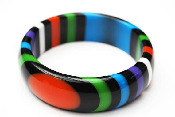 stripped Lucite bangle - Purple Black orange green blue stripes - vintage plastic bracelet