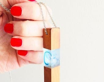 Resin and wood matte geometric pendant necklace