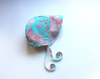 Reversible Baby Bonnet Baby Gift Vintage Baby in Blue and Coral Floral Baby Bonnet