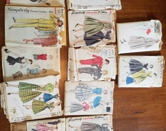 A-Mixed Lot of 1950s/1960s Sewing Patterns