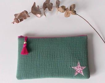 Pochette molletonnée en gaze de coton vert et étoile en Liberty Pepper