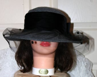 1980s Gray Wool Felt Hat  - Veiled - Netting with Black Velvet Accents - Excellent Condition