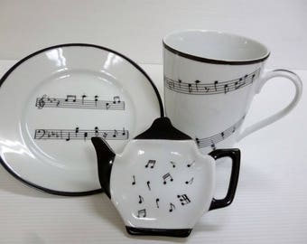 together the music in Limoges porcelain