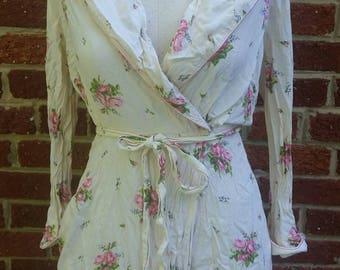 Vintage Rose Print Feminine Robe // Montaldos Perfect Negligee New York Small