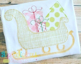 Vintage Bean Stitch Sleigh - Vintage Christmas Shirt - Custom Tee Shirt - Embroidered tee