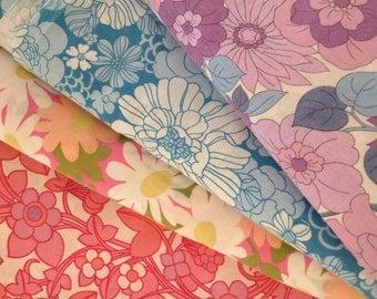 SALE vintage fabric bundle  // retro cotton floral 1960 1970 fat quarter vintage bed sheet UK seller