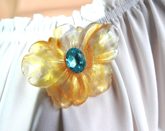 EVENING BROOCH glam, chic and floral!