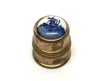 Vintage Delft Holland Thimble, Brass, Sewing, Seamstress, Souvenir, Sewing Notion, c1970