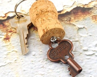 Cork keychain with charm - Floating key chain - Champagne cork key ring - Key chains for women - Wine cork crafts - Gift for wine lover