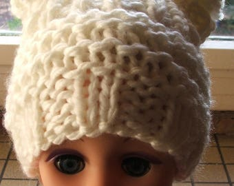 Fancy white hat with 2 PomPoms - size 12/24 months - handmade
