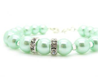 Mint Green Pearl Jewellery, Bridesmaid Bracelets, Pastel Green Jewellery, Green Weddings, Bridesmaid Jewellery, Wedding Bracelet