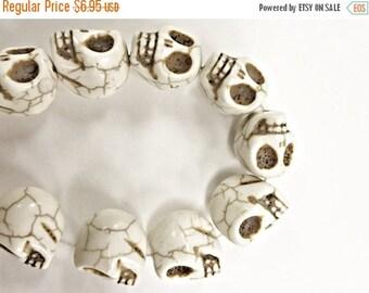 """25% OFF Large Skull Beads 18mm, 22 Beads/15"""" strand, White Sugar Skull Beads, Skull Head beads, 18mm x 14mm - SMAG136"""