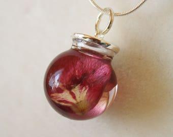 Rose petal necklace, rose necklace, flower pendant, resin flower pendant, botanical necklace, rose petal, glass necklace, rose petal pendant