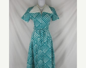On sale 40s 50s Turquoise Blue Womens Cotton Vintage House Day Dress W 28