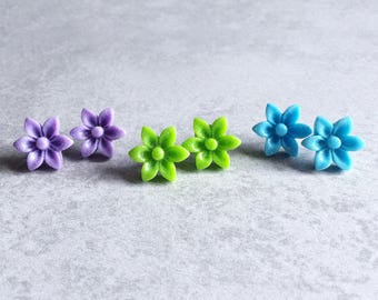 Glitter Daisy Earrings - Silver Plated Stud Posts, 17mm Resin Cabochons, Flowers, Violet Purple, Grass Green, Sky Blue, Bridesmaid Jewelry