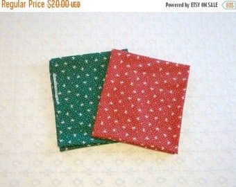 MAKERSALE Vintage Red Green Reindeer Snowflake Christmas Fabric Lot 2pc