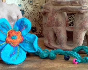 felted flower necklace/ scarf lariat with detachable flower pin / multipurpose felt jewelry
